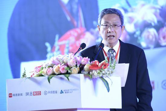 华夏新供给经济学研究院首席经济学家 贾康