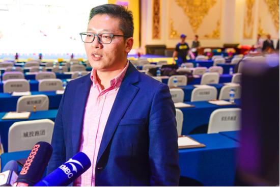 云南鸿翔一心堂药业(集团)股份有限公司云南公司副总经理张勇先生 接受采访