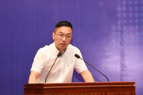 中国互联网新闻中心副总编辑杨新华