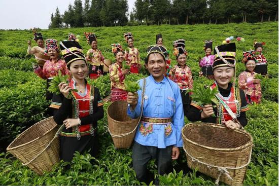 云南保山创作歌曲《十唱共产党》 为党的99岁生日献礼