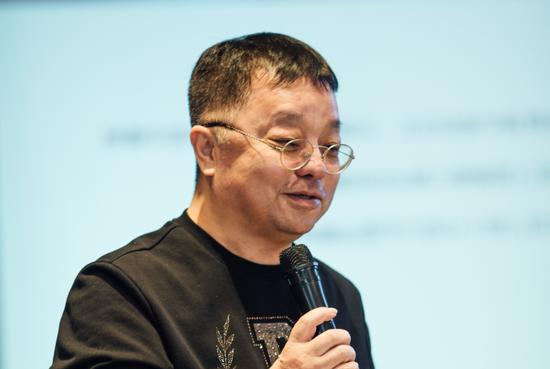中国著名作曲家张宏光