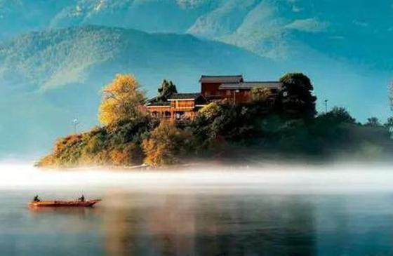高清图丨把时光扎染成画 独享泸沽湖时光