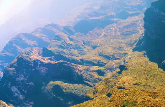 旅游丨昭通大山包美景 令人心旷神怡蓝绿色
