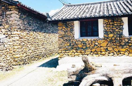 旅游丨丽江玉湖村:雪水清澈 水草摇曳