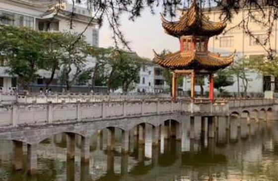 高清图丨云南建水:古老建筑中述说着历史的沧桑