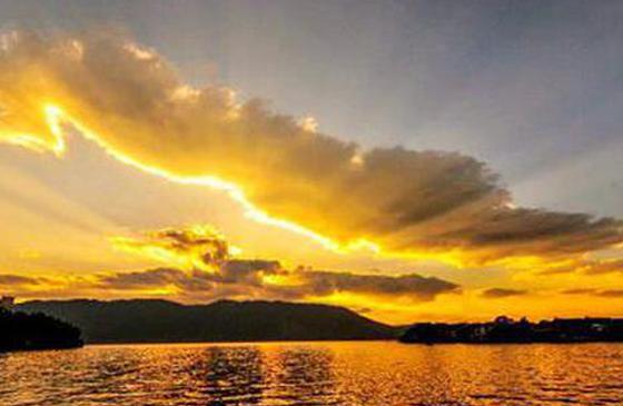 旅行丨一路向南去大理 看黄昏下的苍山洱海