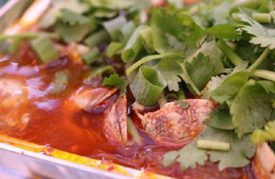 美食丨在建水紫陶街:遇见懂火候之人 烹调人间美味