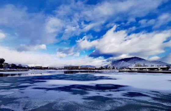 """高清图丨感受""""冬""""之美 雪后的香格里拉宛如油画"""
