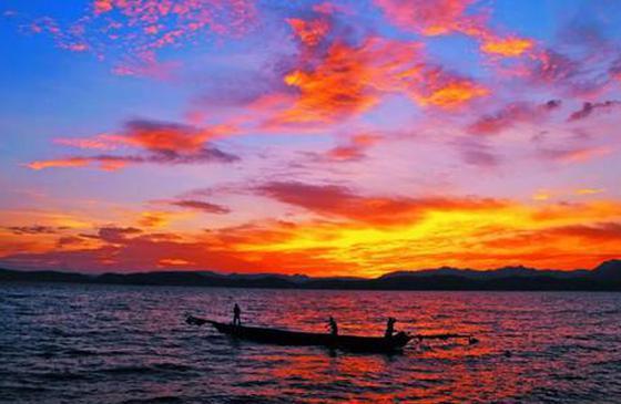 高清图丨玉溪市江川星云湖 在夕阳下美得格外惊人