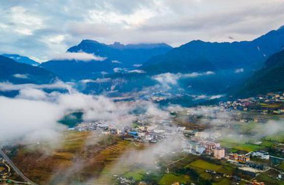高清圖丨怒江丙中洛:云霧繚繞恍若仙境