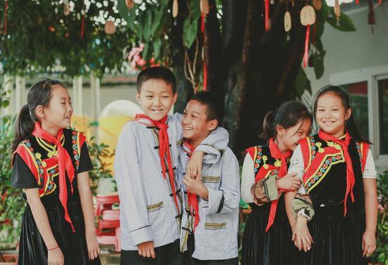 丛岗村小学的孩子们