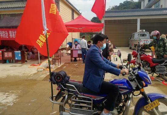"""保山昌宁驻村工作队:""""疫""""线彰显担当"""