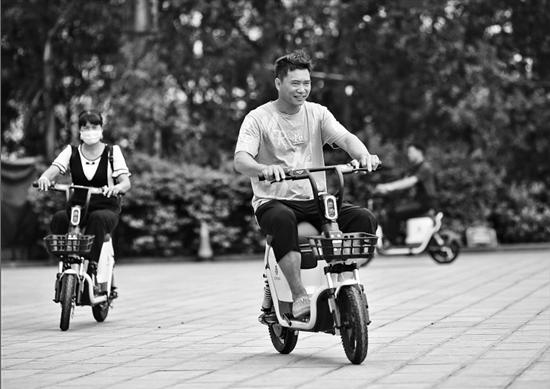 国内首批共享山地电单车落户红河县