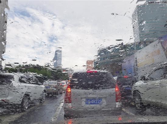 """云南""""迟到""""的雨季 携强降水来袭旱涝并存态势明显"""