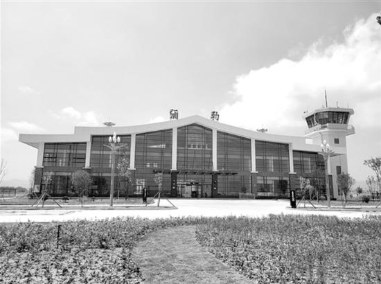 """全国首个""""葡萄园中的机场"""" 弥勒东风机场预计7月通航"""