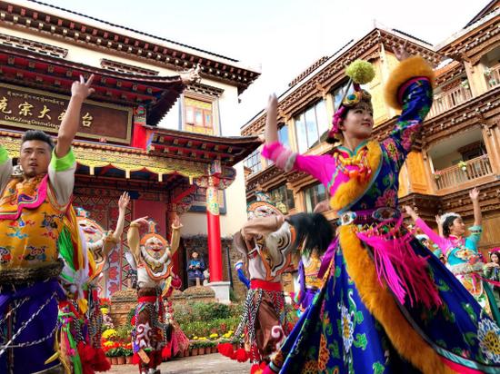 藏族风情引客来 香格里拉国庆期间散客大增