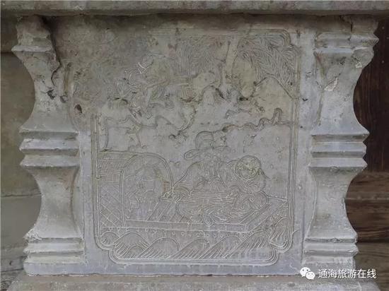 苏氏宗祠石墩上的《东坡弹琴图》