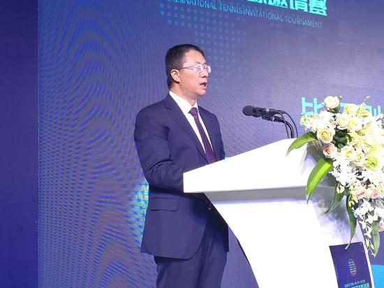 中共安宁市委副书记、市人民政府代市长毕绍刚致辞