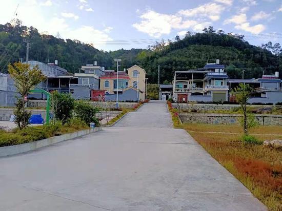 云南龙陵:党建引领活水来 生态建设美家园