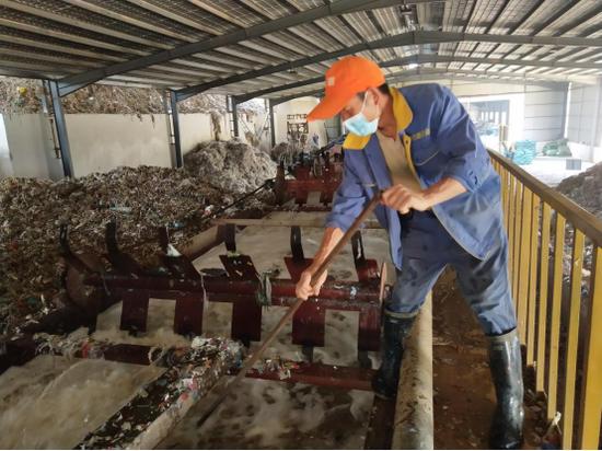 《【星图娱乐app登录】保山隆阳环保生态+扶贫工厂 实现三方共赢》