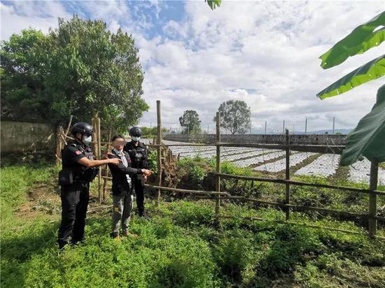 云南瑞丽警方通报:5人因涉及非法偷越国边境被捕