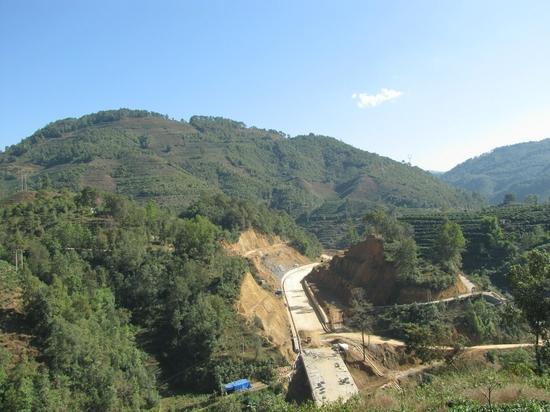 建设中的云保二级公路