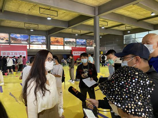 云南旅游职业学院王霞副校长接受采访