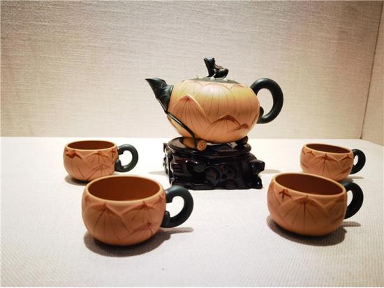 (紫陶茶具 孙思漫 图)