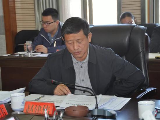 ▲县政协主席赵建伟讲话