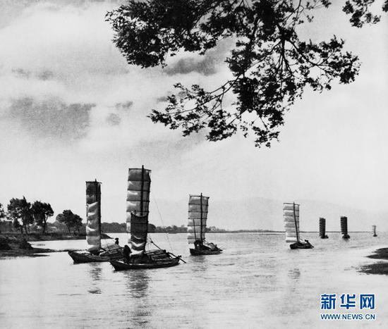 滇池风帆(杨长福拍摄于1958年)