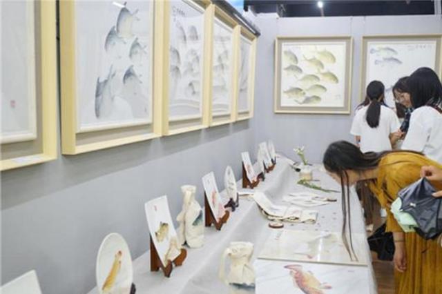云南首届鱼拓艺术展开展 市民可免费参观