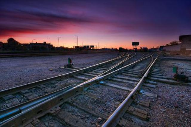 端午小长假云南铁路发送旅客67.8万人