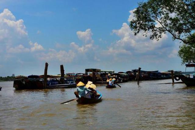 湄公河上的护航船长:连着几个月遇到4次抢劫
