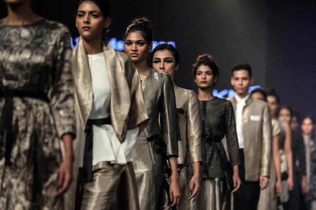印度拉克美时装周 设计师亚伯拉罕和塔科尔作品秀