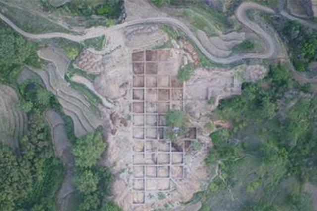 金沙江边又现考古遗存 大量新石器时代刀斧被发现
