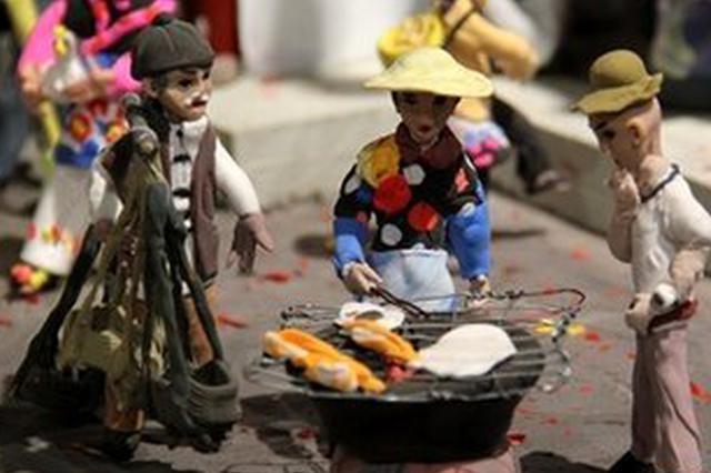 视频丨云南面塑传承人梁俊利:用面团捏出56个民族