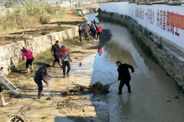 云南保山隆阳金鸡乡组织千人开展清河行动