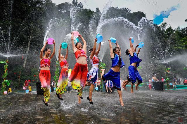 视频丨中国•德宏2019国际泼水狂欢节4月等你来