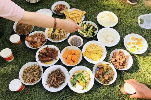 """昆明""""白邑三月头龙节"""" 文化美食盛宴引万人围观"""