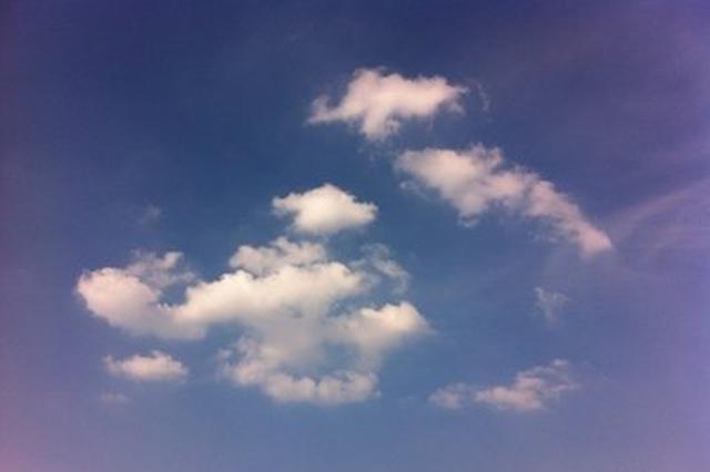 云南省气象台:昆明气温飙升 今天最高28℃