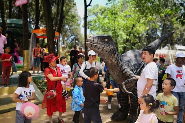 """来自""""侏罗纪""""的邀请 6月30日和恐龙一起回家"""