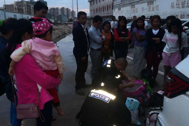 龙陵县公安机关查破2起偷越国边境案