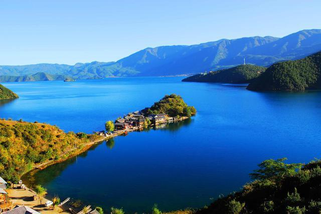 丽江泸沽湖景区发布游客承载量预警 建议错峰出行
