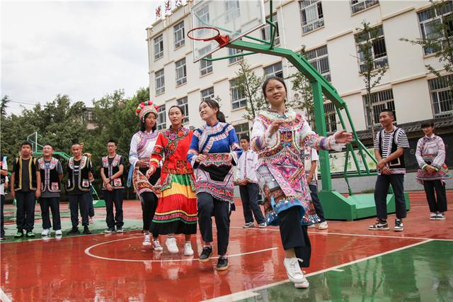 民族文化进校园 云南漾濞一中特色教育结硕果