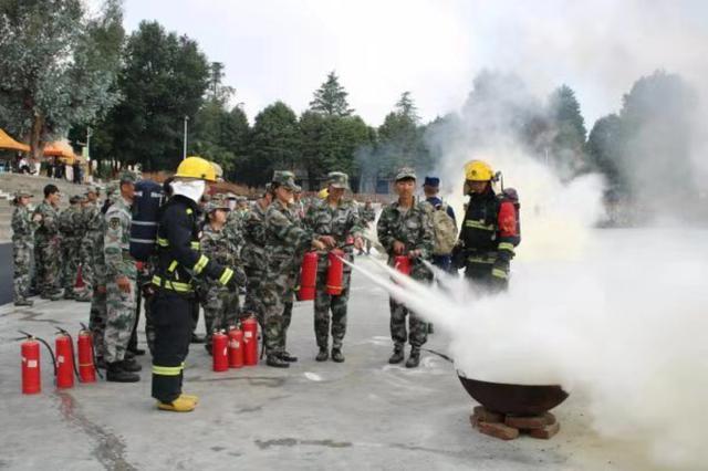 开学第一课!4000余名师生齐上消防课