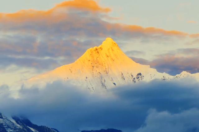 """旅游丨云南卡瓦格博峰:来自""""雪山之神""""的蓬勃浓烈"""