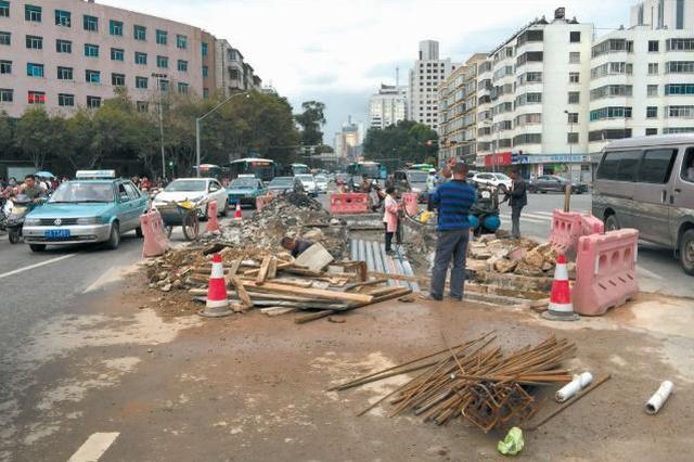 昆明市城管局局长回应:62条路修好后3年不再挖