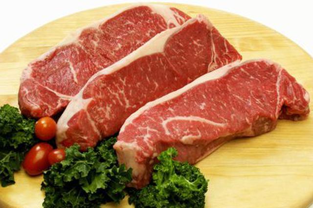 #猪肉价格已连续两个多月下降#,你那猪肉降价了吗?