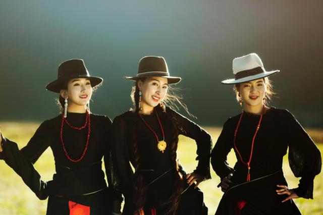 香格里拉卓玛拉组合最新专辑《幸福路上》即将推出
