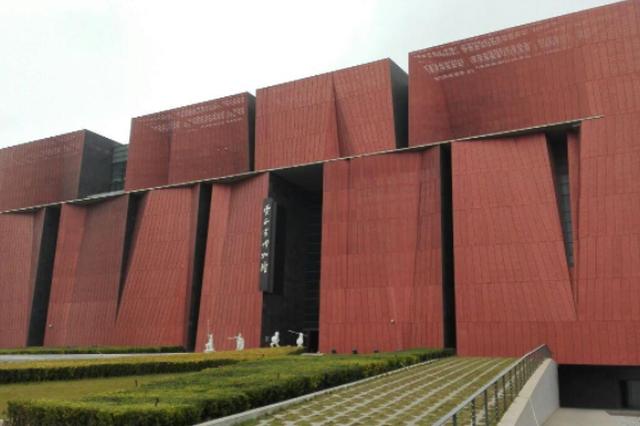 云南省博物馆五一正常开放!参观时佩戴好口罩